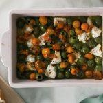 Feta gluante au four avec olives et tomates cerises | Blog des goûts frais