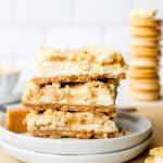 Barres au gâteau au fromage Golden Oreo | Cookies et tasses