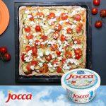Idées de souper avec fromage cottage Jocca Pizza maison avec fromage cottage, mozzarella, courgettes et tomates cerises