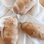 Comment nettoyer et préparer les pommes de terre pour la cuisson