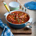 Recette de ragoût de haricots au poulet et au chorizo: SBS Food
