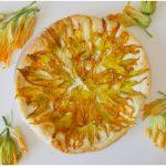 »Tarte salée aux fleurs de courgettes