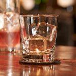 La glace pour les cocktails n'est pas la même: parole de barman