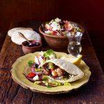 Souvlaki avec salade chypriote | Recettes de cuisine de rue