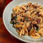 Cavatelli aux champignons braisés, haricots et radicchio |  Recettes de pâtes végétariennes
