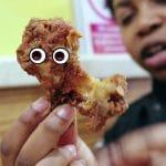 The Chicken Connoisseur examine le poulet frit sur Youtube